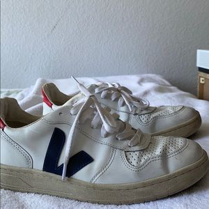 Blue, White, and red veja's